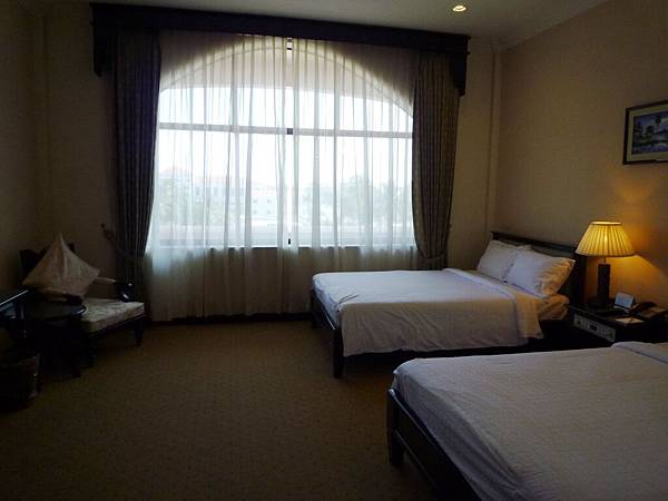 REE HOTEL-02.jpg