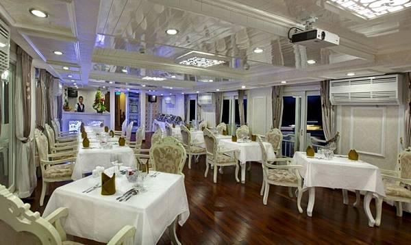 SHC Restaurant 2.jpg