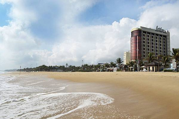 Holiday Beach Danang-10.jpg