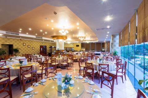 Elegant restaurant-1.jpg