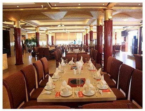 Cua Vang Restaurant Tuan Chau-4.JPG