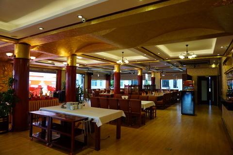 Cua Vang Restaurant Tuan Chau-5.JPG