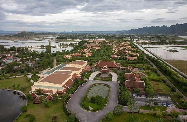 Emeralda Resort-.jpg