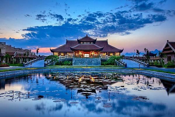 Emeralda Resort.jpg