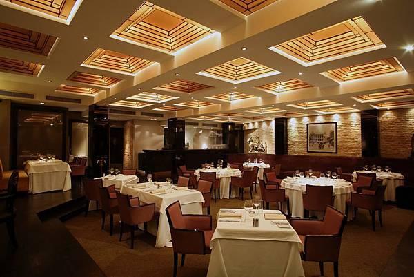 nineteen11 Restaurant-01.jpg
