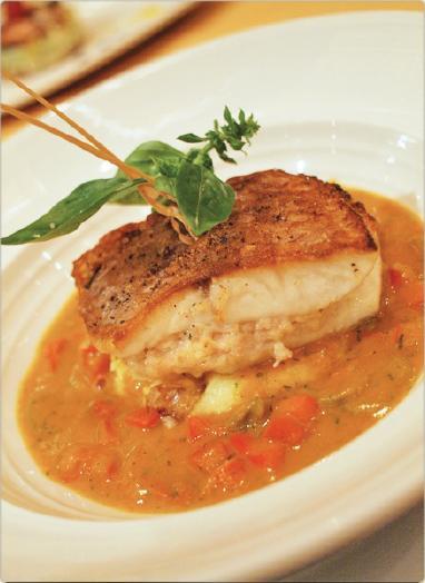 nineteen11 Restaurant-馬賽式紅鯛魚甜培根餡與青橄欖佐蔬菜.jpg