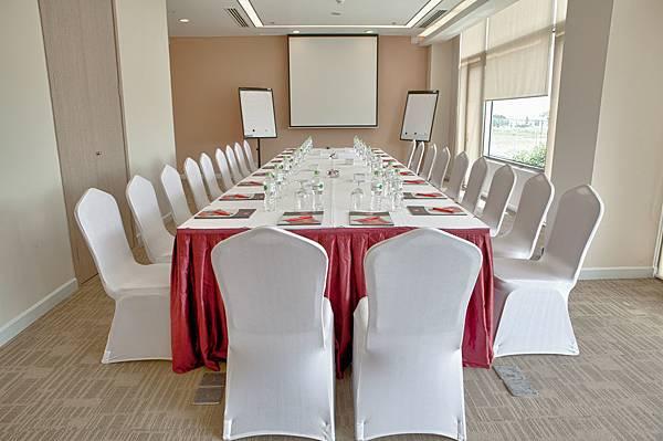 Ibis Saigon South Hotel-06.jpg