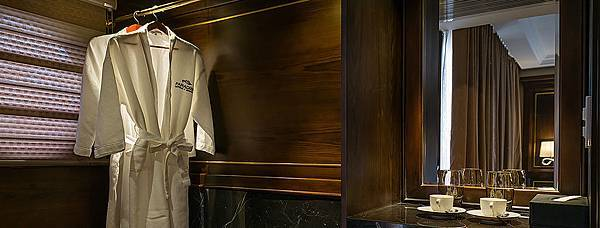 Paradise-Elegance-cabinet.jpg