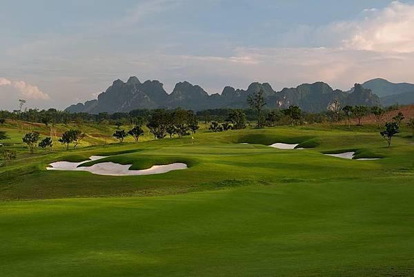 Sky Lake Golf-02.jpg