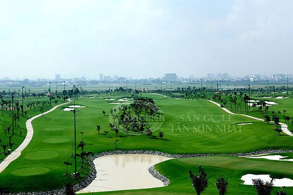 Tan Son Nhat Golf-02.jpg