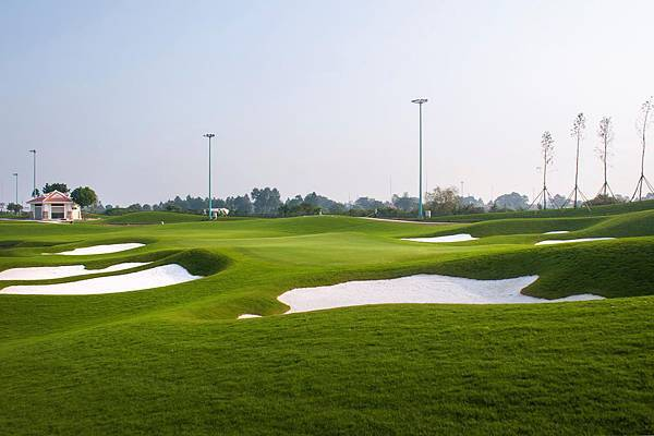 Tan Son Nhat Golf-03.jpg