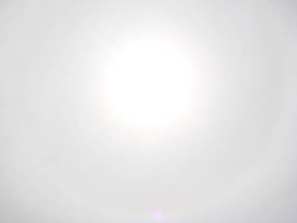 【99年4月放生】太陽外圍出現日暈現象(直接拍攝).JPG