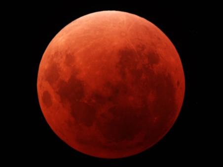 星-日食的月亮