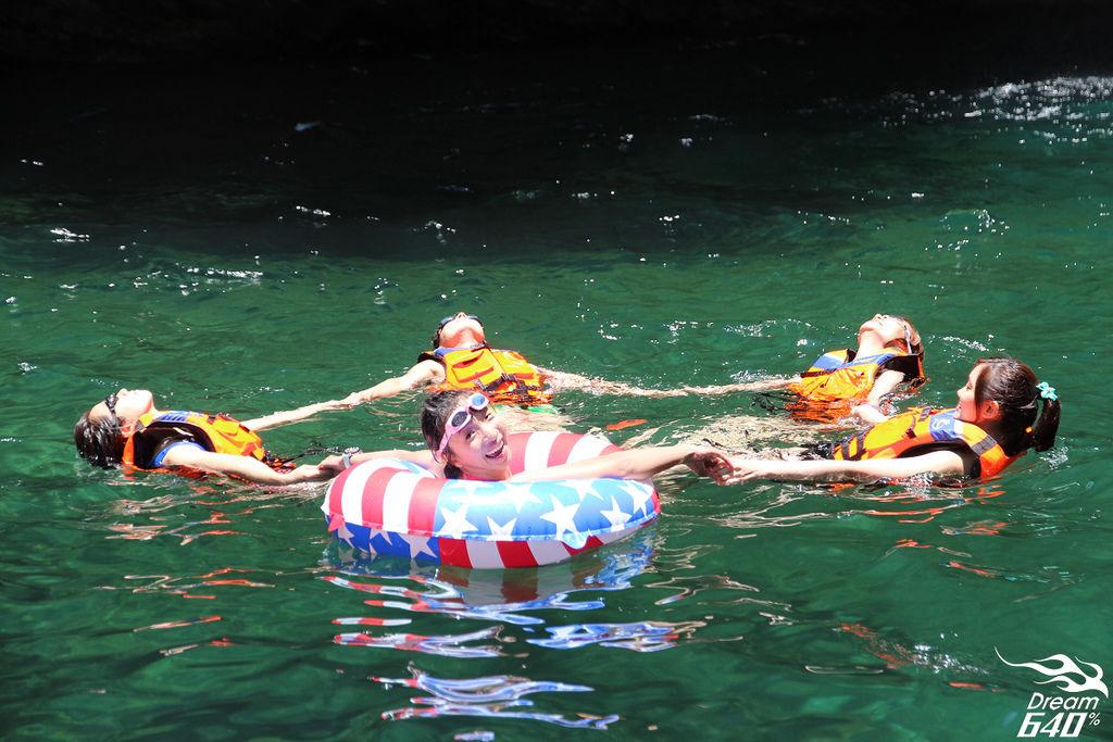 [2013南澳找夏天] 澳花瀑布。去溪裡把夏天冰起來