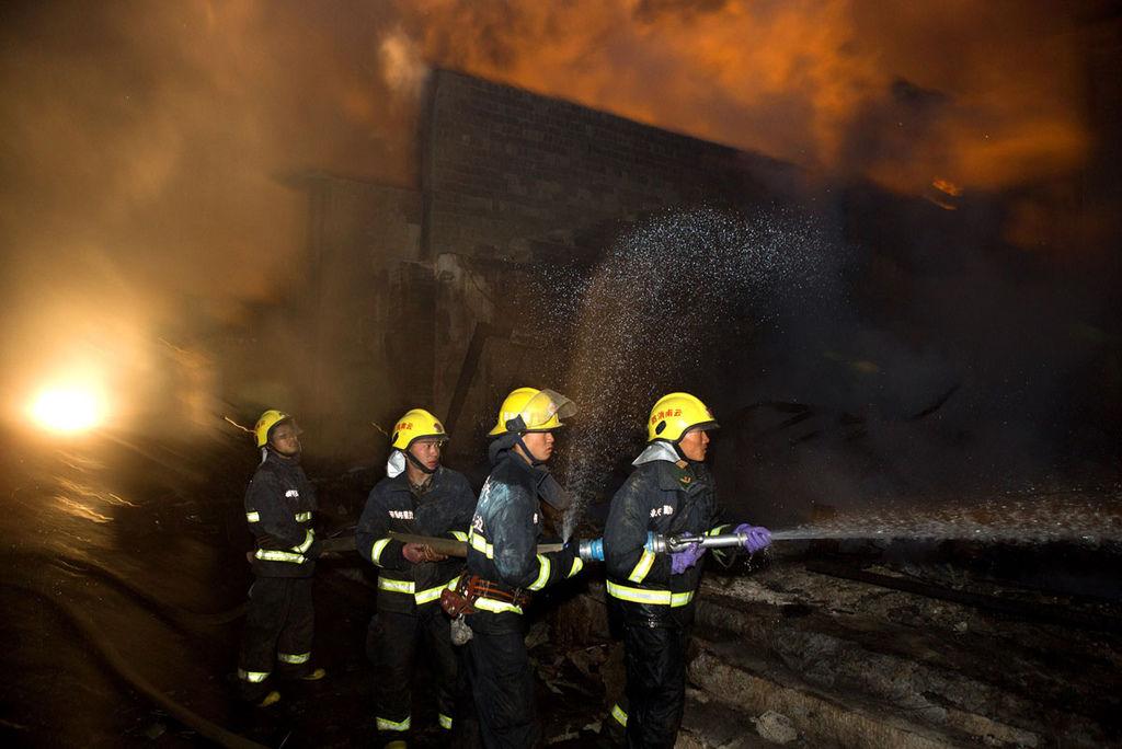 香格里拉獨克宗古城燒毀新聞畫面_4.jpg