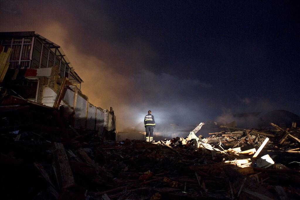 香格里拉獨克宗古城燒毀新聞畫面_7.jpg