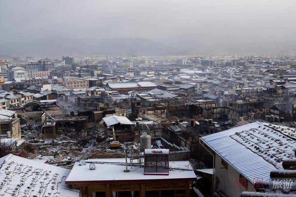 鳳凰網-白雪下的废墟_1.jpg
