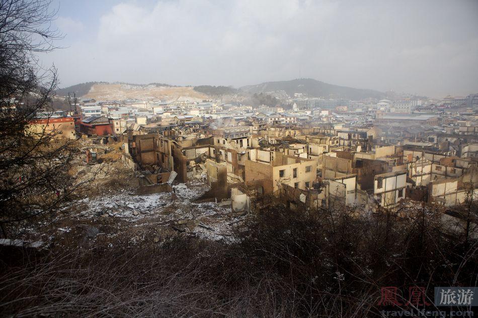 鳳凰網-白雪下的废墟_2.jpg