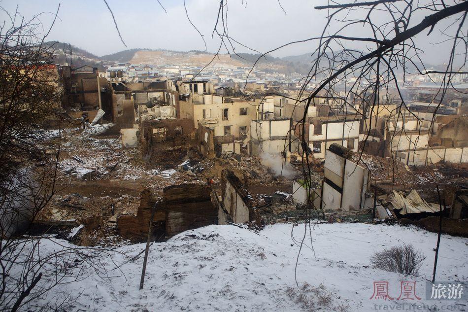 鳳凰網-白雪下的废墟_3.jpg