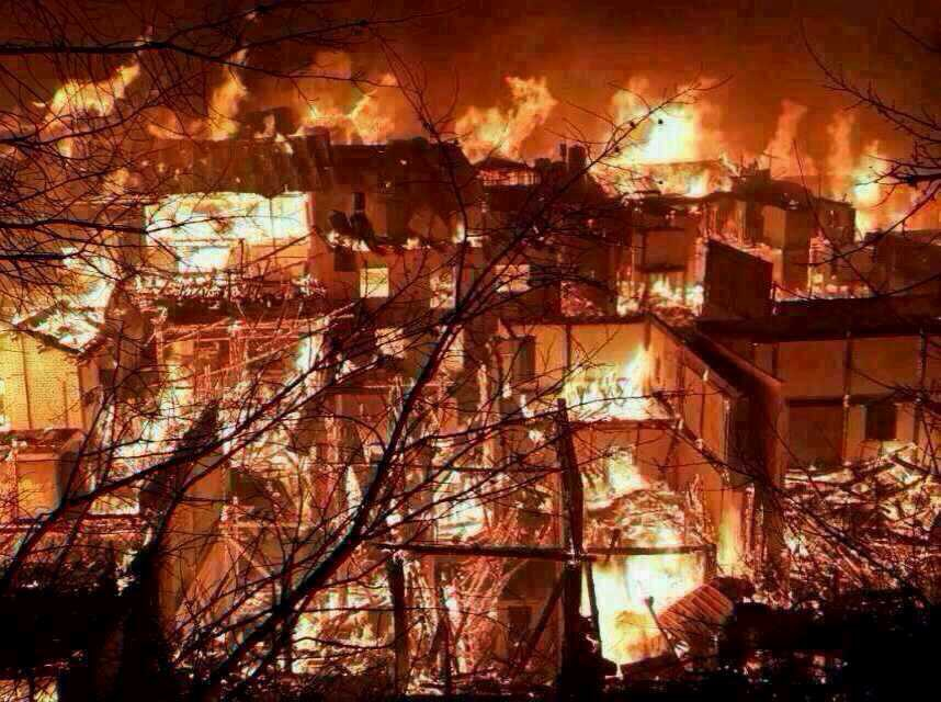 香格里拉獨克宗古城燒毀新聞畫面_12.jpg