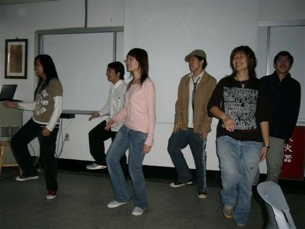 我們跳開場舞