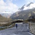 破風-亞歐場景-義大利阿爾卑斯山腳下的環形公路.jpg