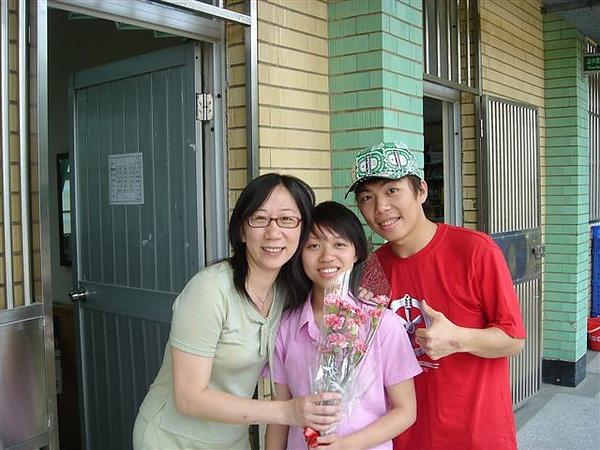 我們和鄢媽媽
