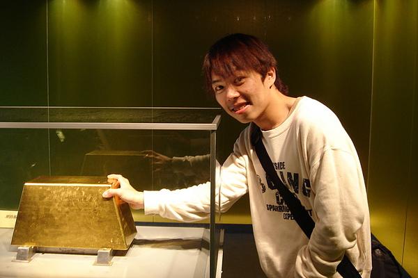 220公斤的大金磚
