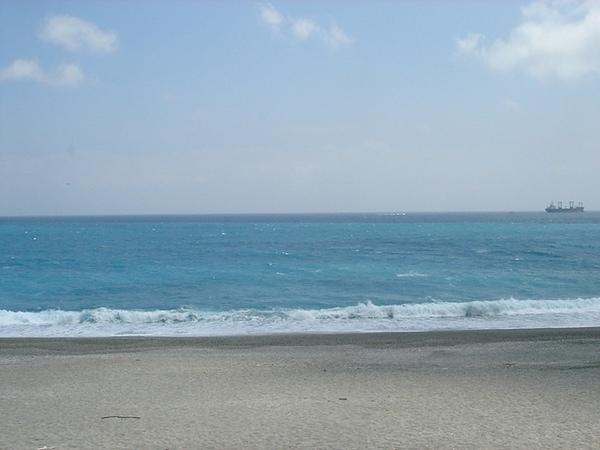 東部的海 才會有這種聖潔的藍