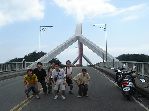 跨港大橋上  預備
