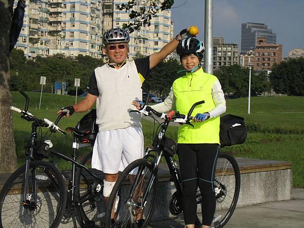 100年11月20日騎腳踏車 001.jpg