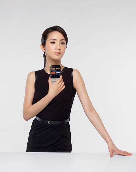 林依晨對BlackBerry情有獨鍾.jpg