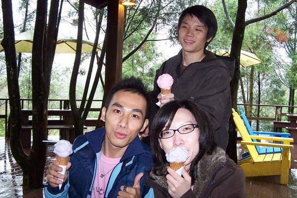 冰淇淋 海灘跟小束吃薰衣草