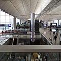 香港機場 比桃園機場大太多