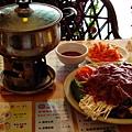 相聚一刻的台式泡菜牛肉火鍋 48元