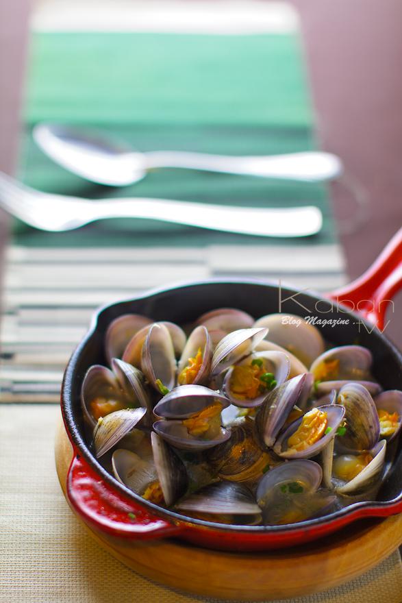 Sauteed clam with basil & garlic