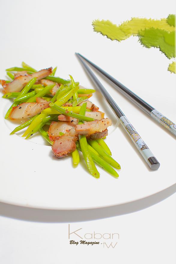 蒜苔 炒黑胡椒山豚肉