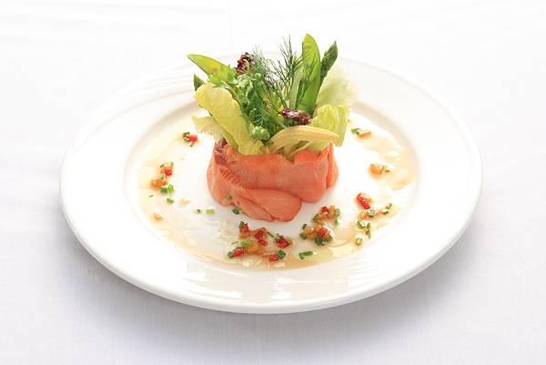 煙燻凱薩鮭魚沙拉