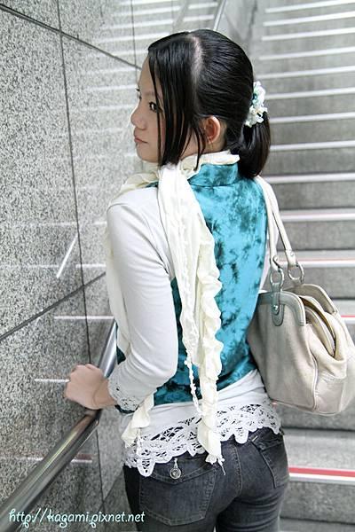 八月穿搭: http://kagami.pixnet.net/blog/post/29592573