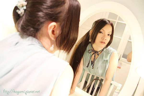 八月穿搭: http://kagami.pixnet.net/blog/post/29606510
