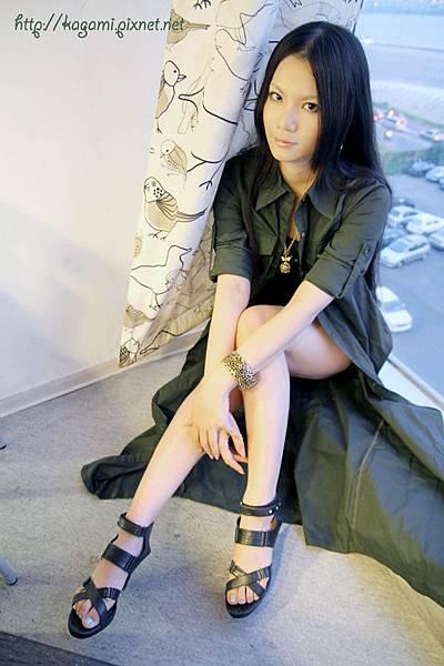 八月穿搭: http://kagami.pixnet.net/blog/post/29609105