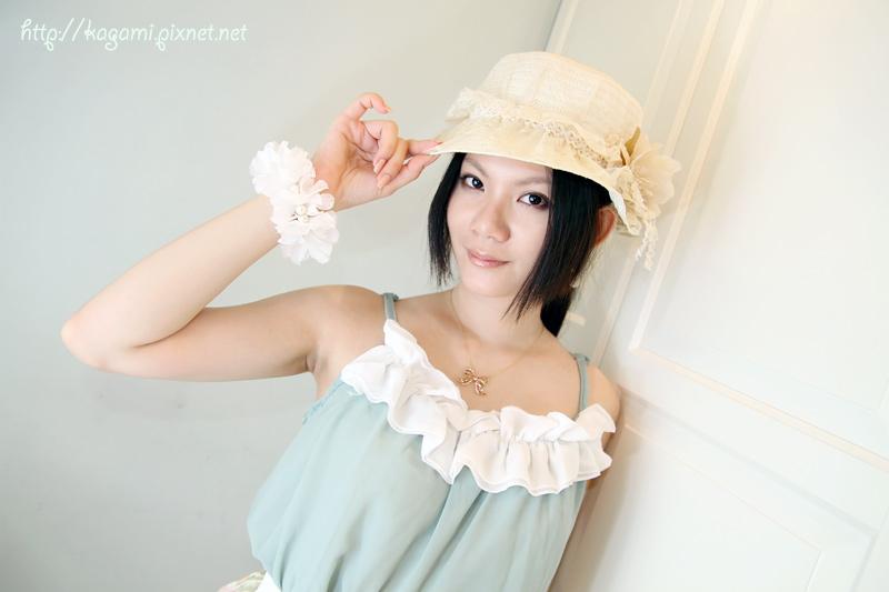 八月穿搭: http://kagami.pixnet.net/blog/post/29609922