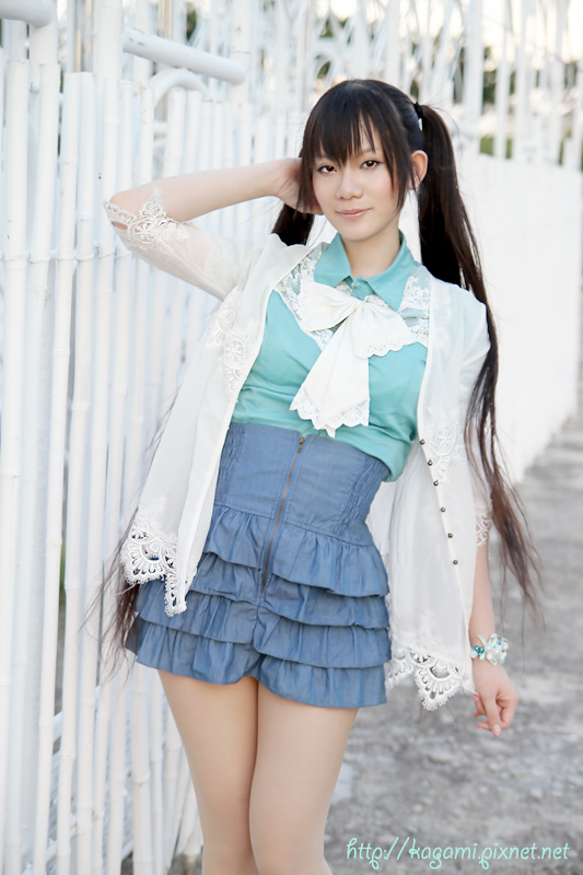 綠色系 華麗學院風: http://kagami.pixnet.net/blog/post/29618286