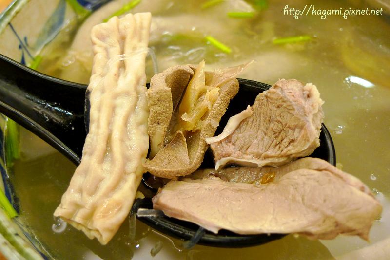 及品 豬腸冬粉 油飯 麻油雞: http://kagami.pixnet.net/blog/post/30094767
