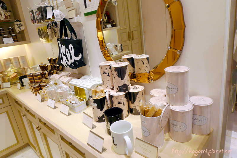 Jill Stuart Cafe: http://kagami.pixnet.net/blog/post/30113410