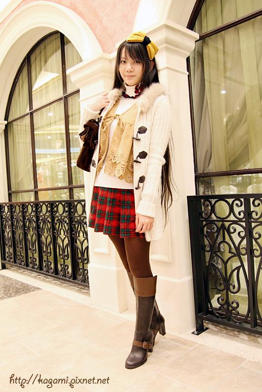 幾何圖紋風,格紋百褶裙x蝴蝶結: http://kagami.pixnet.net/blog/post/30286236