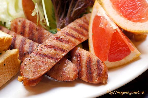 豐滿咖啡早午餐: http://kagami.pixnet.net/blog/post/39042976