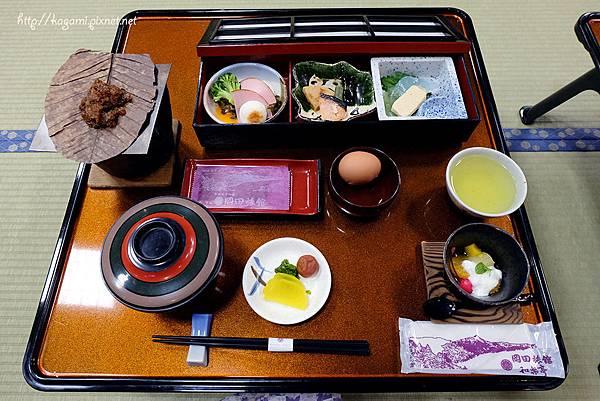 平湯溫泉岡田旅館 朝食: http://kagami.pixnet.net/blog/post/43095094