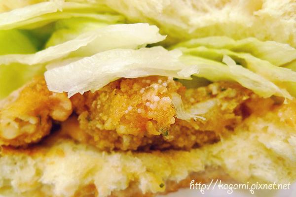 501美式漢堡: http://kagami.pixnet.net/blog/post/28813715