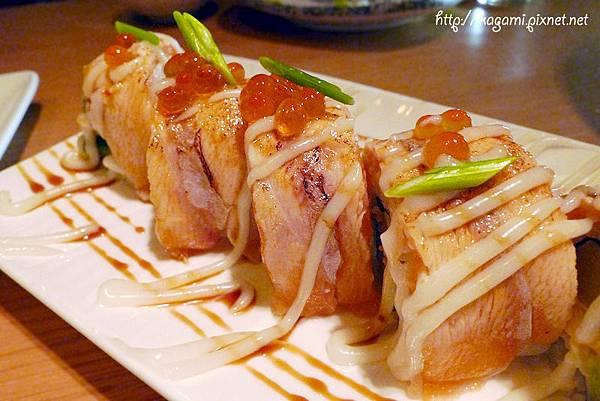 炙aburi居食創作料理: http://kagami.pixnet.net/blog/post/28902429